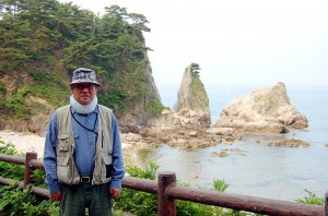 The first driver who picked me up. The background is Nezumigaseki in northern Niigata on the coast of the Sea of Japan.