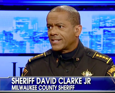 Milwakee sheriff against gun control